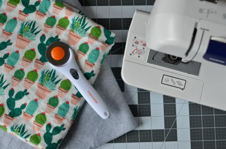 fabric, rotary cutter, cutting mat, sewing machine