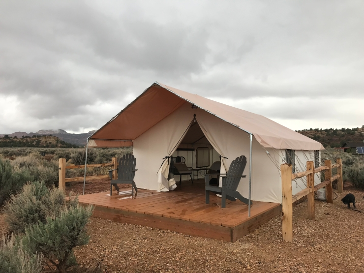 glamping tent with chairs in Kanab, UT