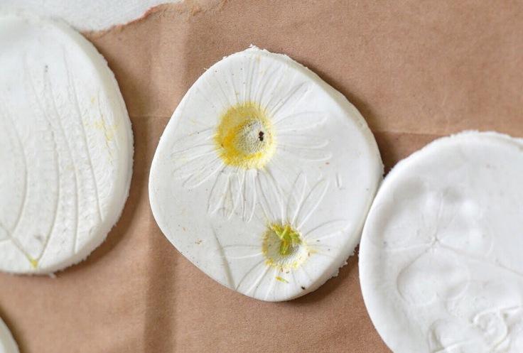 Flower clay inpression